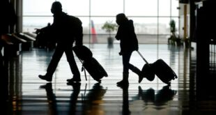 Airlines press US on refusal to lift COVID-19 travel restrictions