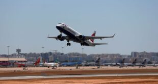 Airline chiefs urge end to UK-U.S. travel restrictions